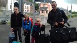 Arrivés à la gare de Lannion, frileux mais heureux